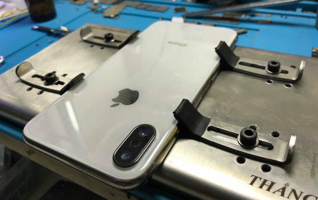 47573356 372881036799364 9133535507299434496 n 3 Bước thay kính lưng iPhone đơn giản