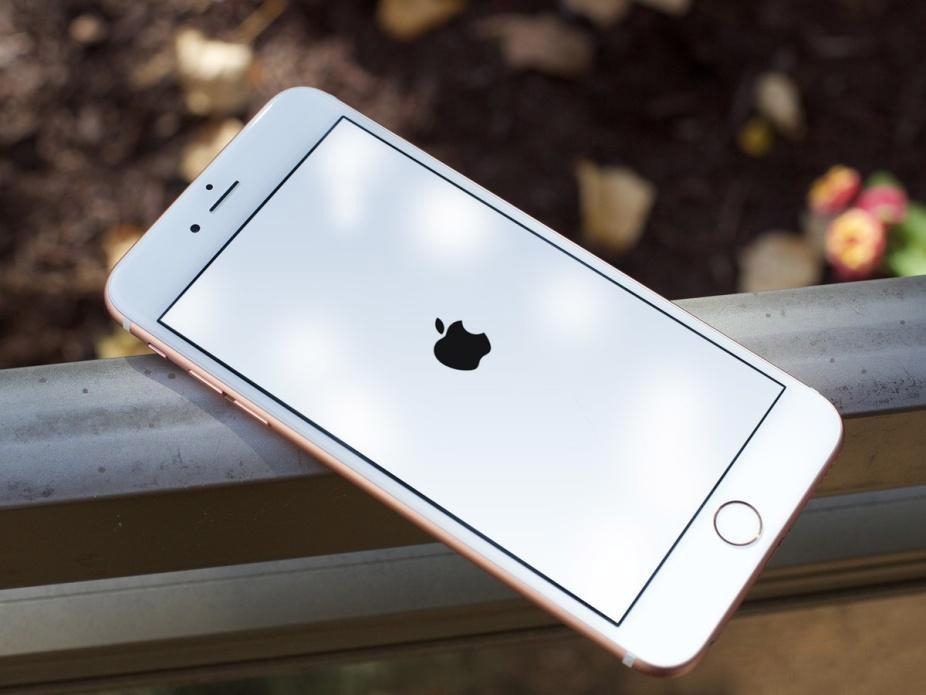 iphone 8 plus bi sap nguon 1 Bạn cần làm gì khi iPhone 8 Plus bị sập nguồn liên tục?