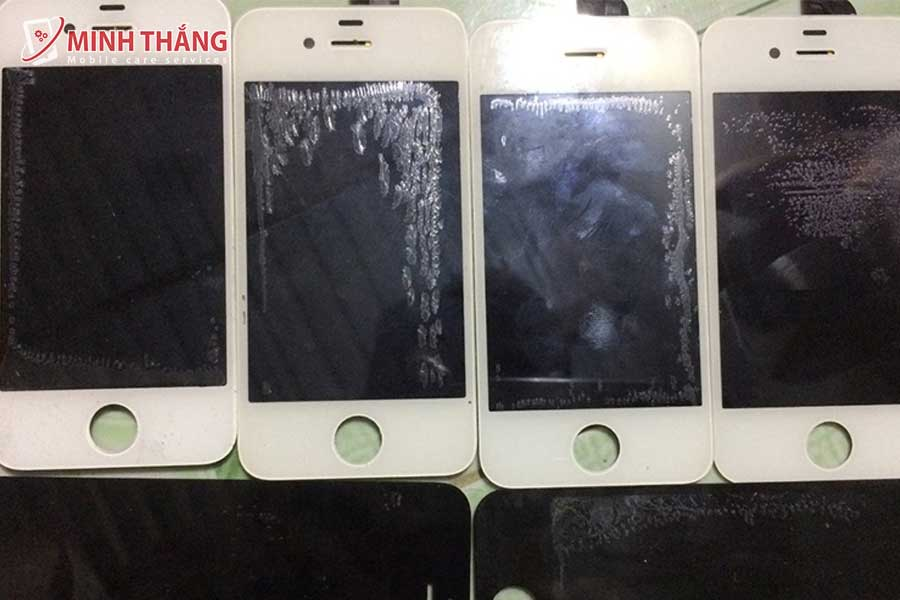 hau qua ep kinh gia re Dịch Vụ Thay Kính Ép Kính iPhone 12 Pro